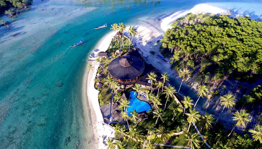 Macaronis Resort Mentawai Islands